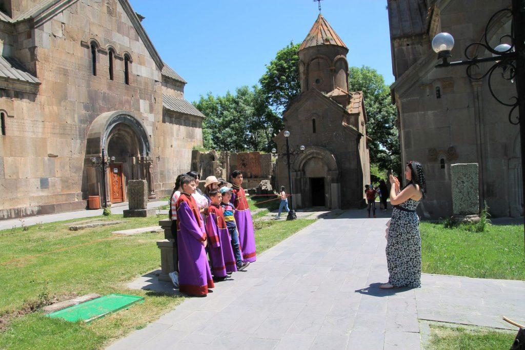 Tsakhadzor Monastery: Kecharis