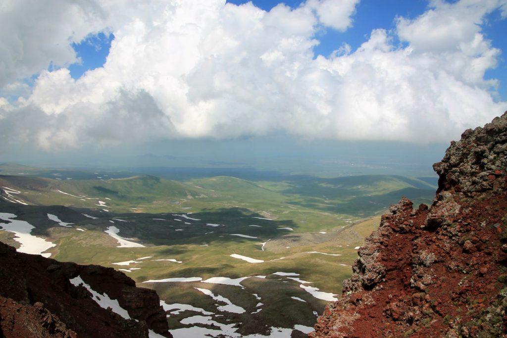 Climb Mount Azhdahak